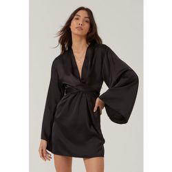 Satin Wide Sleeve Tie Front Mini Dress - Nasty Gal - Modalova