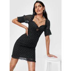Dressing Gown Courte À Col Cœur Et Détails Volantés Ça Ne Vaut Pois Le Coup - Nasty Gal - Modalova