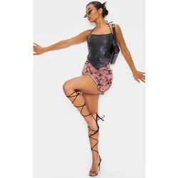 Mini-jupe en mesh imprimé tie & dye à ourlet légèrement volanté - PrettyLittleThing - Modalova