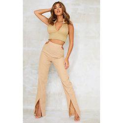 Pantalon droit sable en maille tissée à découpes et anneaux détail ourlet fendu - PrettyLittleThing - Modalova