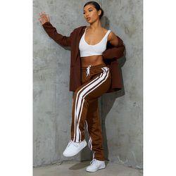 Jogging évasé en tricot chocolat - PrettyLittleThing - Modalova