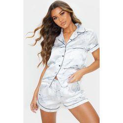 Ensemble de pyjama imprimé marbre satiné avec short et top à manches courtes - PrettyLittleThing - Modalova