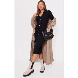 Robe mi-longue en maille tricot à boutons et détail col - PrettyLittleThing - Modalova