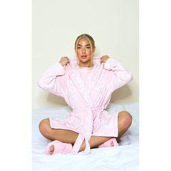 Robe de chambre en polaire à slogan répétés - PrettyLittleThing - Modalova
