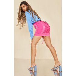 Mini jupe satiné fuchsia à lacets larges - PrettyLittleThing - Modalova