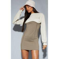 Recycle - Robe pull en sweat style colourblock à détail liserés - PrettyLittleThing - Modalova