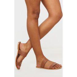 Sandales pointure large marron clair à doubles brides en cuir - PrettyLittleThing - Modalova