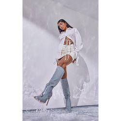 Mini jupe asymétrique en similicuir froncée à taille nouée - PrettyLittleThing - Modalova
