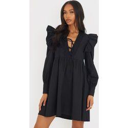 Robe chemise en maille tissée plissée à manches volantées - PrettyLittleThing - Modalova