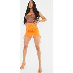 Mini jupe en mesh froncé sur les côtés - PrettyLittleThing - Modalova