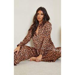 Tall - Ensemble de pyjama satiné à imprimé léopard - PrettyLittleThing - Modalova
