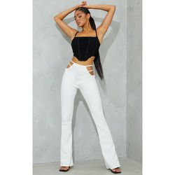 Pantalon à jambes évasées et détail découpes - PrettyLittleThing - Modalova