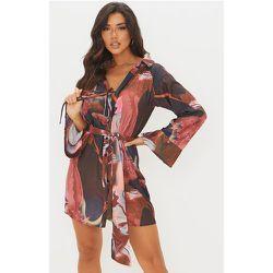 Robe chemise en maille imprimé abstrait à manches longues et lien noué - PrettyLittleThing - Modalova