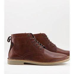 Desert boots en cuir avec détail en daim - Fauve - ASOS DESIGN - Modalova