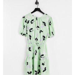Robe courte à imprimé floral effet ombre - Vert - Influence Tall - Modalova