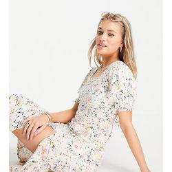 Robe mi-longue à fleurs avec liens croisés au dos - Influence Tall - Modalova