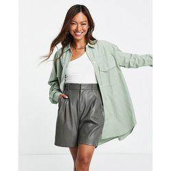 Veste chemise oversize avec poches avant - Kaki - Mango - Modalova