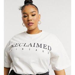 Inspired Plus - T-shirt à logo - Crème - Reclaimed Vintage - Modalova