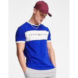 T-shirt confort avec empiècement griffé sur le devant - Tommy Hilfiger - Modalova