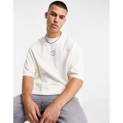 T-shirt oversize à col montant et écusson en caoutchouc «Berlin» - Crème - Topman - Modalova