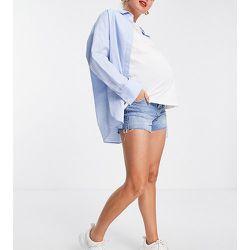 Maternity - Short mom au-dessus du ventre en denim de coton recyclé mélangé de qualité supérieure - délavé moyen - Topshop - Modalova