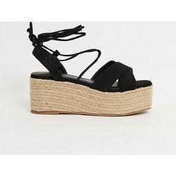 Sandales à plateforme plate et liens noués à la cheville - Truffle Collection - Modalova