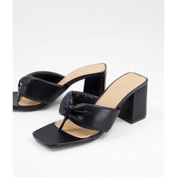 Sandales à talon matelassées avec entredoigt - Truffle Collection - Modalova
