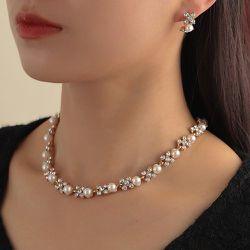 Collier à strass et perles & Boucles d'oreilles - SHEIN - Modalova