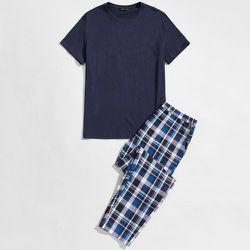 Ensemble de pyjama t-shirt et pantalon à carreaux - SHEIN - Modalova