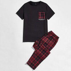 Lettre avec poche T-shirt et Pantalon Ensemble de pyjama - SHEIN - Modalova