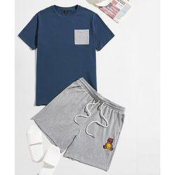 Avec poche T-shirt et dessin animé Short de sport Ensemble de pyjama - SHEIN - Modalova