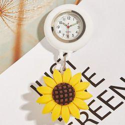 Broche de montre infirmière - SHEIN - Modalova