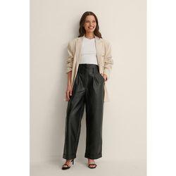 Pantalon Plissé - Black - Chloé B x NA-KD - Modalova
