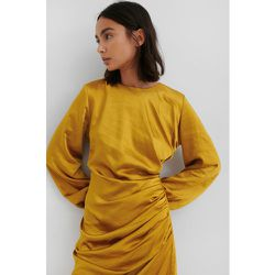 Ruched Satin Dress - Yellow - NA-KD Party - Modalova