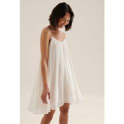 Robe Courte Recyclée Et Transparente Avec Doubles Bretelles - Offwhite - NA-KD Trend - Modalova