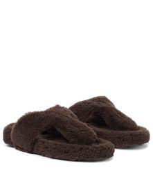 Mules Relax Flat Footbed en shearling - Aquazzura - Modalova