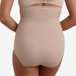 Culotte gainante taille haute beige - Miraclesuit - Modalova
